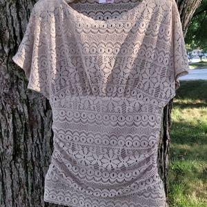 Bongo top, fit waist, crocheted nude beige, sz. Sm